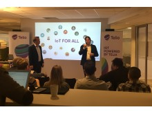 Teknisk direktør i Telia, Jon Christian Hillestad, og CEO i Disruptive Technologies, Erik Fossum Færevaag, under pressemøtet hos Telia Norge der partnerskapet ble kunngjort.