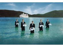 Man behøver således ikke have tegnebogen fremme, når tjeerne på Seabourne-skibene går til søs og serverer kaviar og champagne.