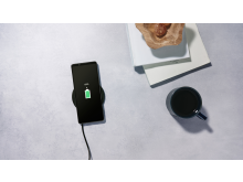 Xperia 1 II_Wirelesscharge_16.9-Large