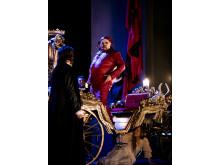Rigoletto 2015 på NorrlandsOperan. Fredrik Zetterström (Rigoletto) och Monterones dotter (Frida Blommé)