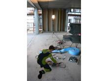 Montør på byggeplass, illustrasjon fra e-læringskurs