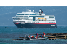 MS Midnatsol Carcass Island Foto Karsten Bidstrup Hurtigruten