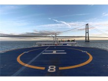 Scandlines' nye hybridfærge sejler under Storebæltsbroen