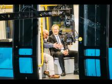 Konsernsjef i Sporveien, Cato Hellesjø, i samtale med programleder Jan Erik Larssen