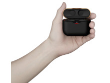 WF-1000XM3_B_case_with_hand-Large