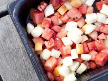 Fresch cut, färdigskuren frukt och grönt