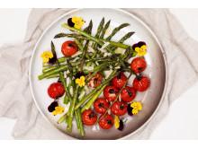 Ovnsbakt asparges og tomat