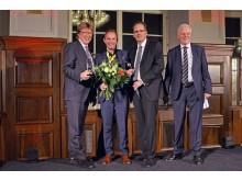 Die Erstplatzierten Prof. Andreas Schulz und Dr. Michael Maul nahmen die Preise von Volker Bremer, Geschäftsführer der Leipzig Tourismus und Marketing GmbH, entgegen