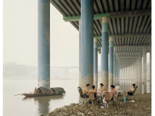 Nadav Kander, Chongqing IV Sunday Picnic, Chongqing Municipality, 2006. Courtesy of Flowers Gallery