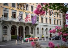 ST0049846_Bentley_vor_Les_troi_rois(c)Switzerland Tourism