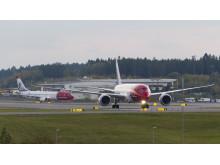 Boeing 737-800 ja Boeing 787 Dreamliner