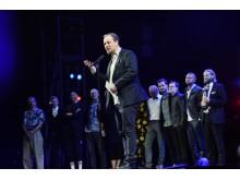Årets Forestilling går til Odense Teaters vampyr-drama 'Lad den rette komme ind'.