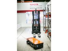 Toyotan Autopilot tuotesarjan lavansiirtäjä ja kuljetusvaunu
