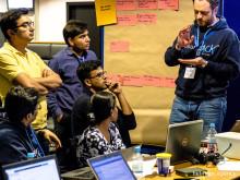 Teilnehmer entwicklen ihre Ideen am InsurHack 2017