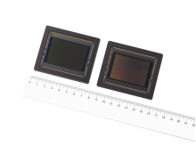 CMOS-Bildsensor IMX661 (links: Farbmodell, rechts: Schwarzweißmodell)
