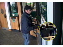 Steven Ifield robbing a bank in Redbridge 001.jpg