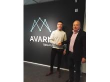 GP3-kuljettaja Simo Laaksonen ja AVARN Securityn toimitusjohtaja Juha Murtopuro
