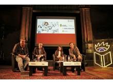 Moderator Claudius Nießen, Buchmessedirektor Oliver Zille, Kuratorin Kateryna Stetsevych und Schauspieler Max von Thun (v.l.) geben Einblicke in die Leipziger Buchmesse 2020