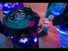 MHC-V83D lifestyle 6