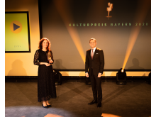 karl-michaela-statue-kulturpreis-bayern-2020-copyright-simon-leibl