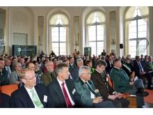 """Zahlreiche Gäste nahmen an der Preisverleihung zum """"Waldgebiet des Jahres 2018"""" im Ovalsaal auf der Königlichen Jagdresidenz Schloss Hubertusburg in Wermsdorf teil"""