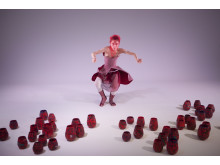 Carmen Olsson dansar i 100 Migratory