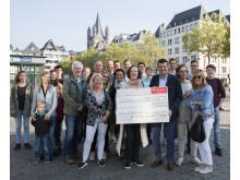 Santander Spende an Joerg Weise Association