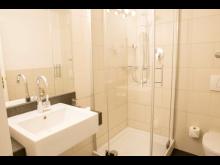 Comfort Hotel Markt Schwaben_Bathroom