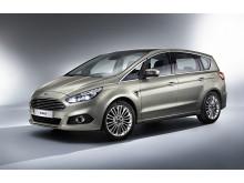 Nye Ford S-MAX vises for første gang på den Internasjonale bilutstillingen i Paris