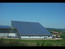 Photovoltaik_aufLagerhalle_2017_BeateSchade