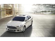 Nye Ford Mondeo - her som hybridversjon