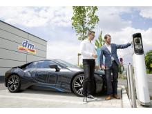 dm-Pilotprojekt E-Ladesäule