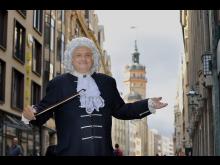Thomas Zemmrich als Bach vor der Nikolaikirche