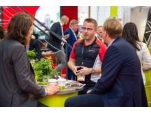 IMEX 2019: Mike Söldner (Porsche Werk Leipzig) im Gespräch mit Fachbesuchern