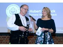 Sanierungspreis 18: In der Kategorie Holz geht der Preis an die Zimmerei Hubert Nowack aus Rottweil für die Anhebung eines Schwarzwaldhauses