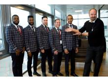"""Dreamliner crew med Atle Antonsen fra """"Grand Hotel"""""""