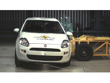 FIAT Punto side crash test Dec 2017