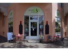 Außenansicht (Coppiplatz) des Weinhaus Vogler mit Freisitz
