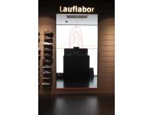 Im Lauflabor können die Kunden ihren Laufstil analysieren lassen und so den optimalen  Schuh finden.