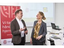 CCO fra Lidl, Mikko Forsström og direktør for Hjernesagen, Birgitte Hysse Forchhammer er glade for det treårige samarbejde mellem Hjernesagen og dagligvarekæden.