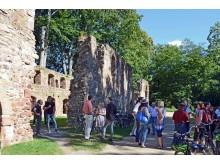 Tourismus-Akteure im Gespräch am Kloster Nimbschen bei Grimma