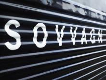 Utsidan av sovvagn på nattåg