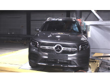 Mercedes-Benz GLB pole test November 2019
