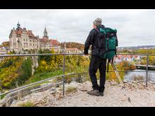 Sigmaringen: Slott langs Danube Zollernalb vandringssti, vandrer