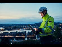 Elvia-ansatt styrer arbeidet via Ipad