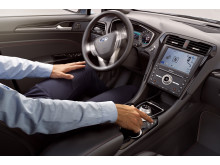Nya Ford Mondeo Hybrid som kombi presenteras på motormässan i Bryssel, med avancerad teknologi.