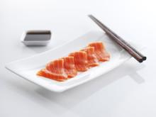 Sashimi av laks Fotograf Tom Haga