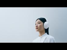 WH-1000XM4_Silent White_Lifestyle_von_Sony (3)