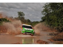 Mitsubishi Outlander Plug-in hybrid Asia Cross Country Rally