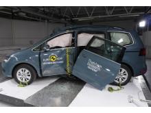 Volkswagen Sharan Euro NCAP pole crash - after test Dec 2019